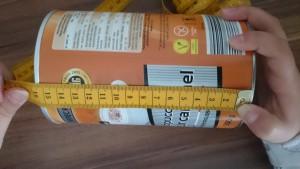 leere Cappucchino-Dose - Höhe messen