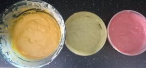 eingefärbter Teig für Papageienkuchen